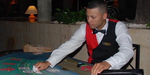 Почему мы играем в покер?