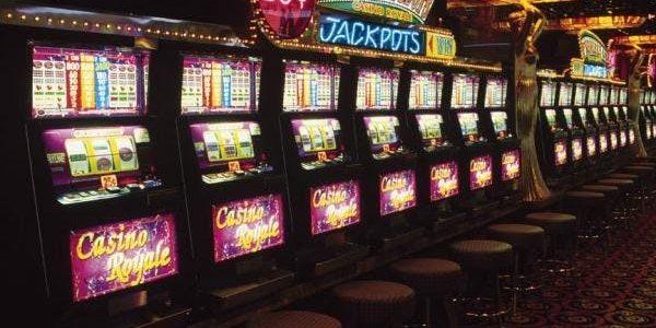 Описание слота Olivers Bar от казино Спинвин