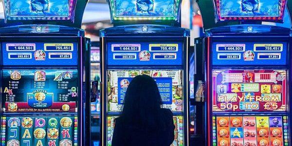 Игровой слот Alice in Wonderland от клуба Плейдом 777