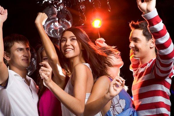 Как вести себя в клубе: полезная информация и рекомендации
